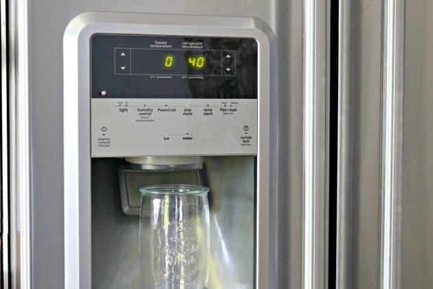 Como limpiar el dispensador de hielo de tu nevera