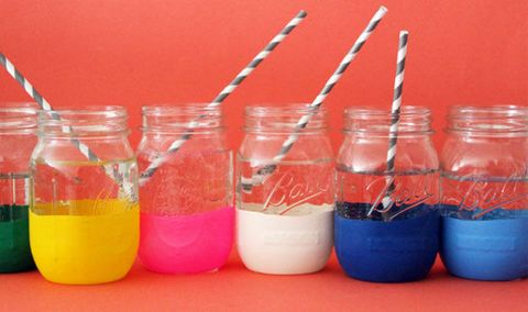 Cristalería con código de colores mason jar